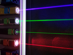 Nature   新型光微梳重塑光纤通讯技术
